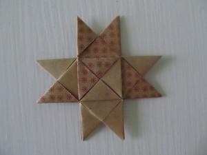 Flad flettet stjerne
